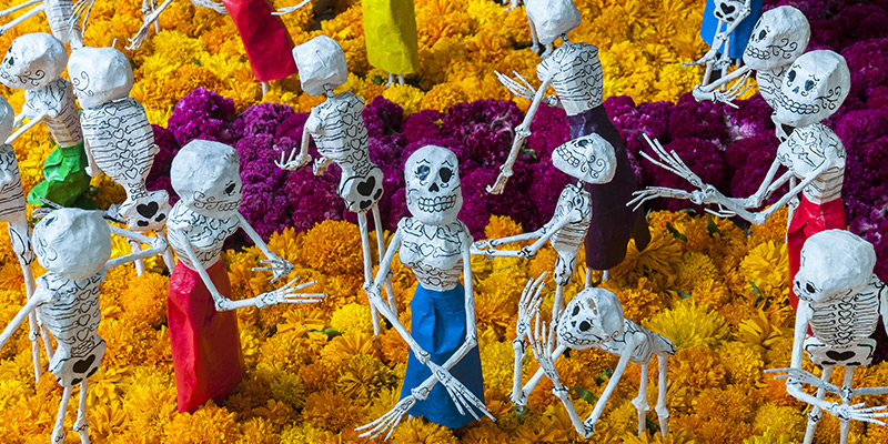 Mexican Traditions For Dia De Muertos